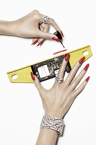 édito haute joaillerie détail mains outils ongles chanel