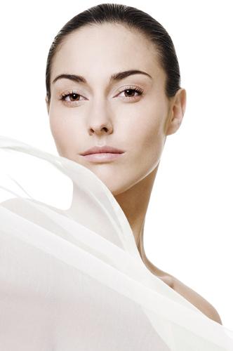 campagne beauté femme soins cosmétiques peau visage