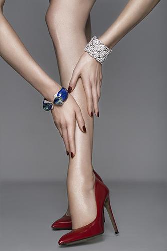 photo nu détail corps joaillerie beauté peau chaussure