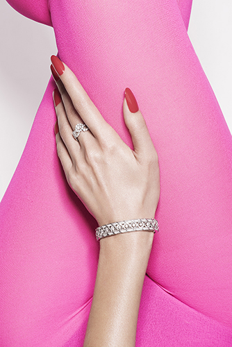 édito beauté bijoux haute joaillerie détail corps mains