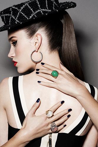 édito joaillerie beauté détail mains maquillage