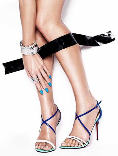 photo nu détail corps joaillerie beauté peau chaussures