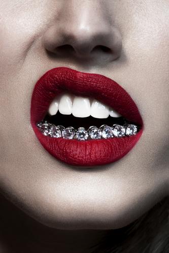 édito beauté bijoux haute joaillerie maquillage lèvres