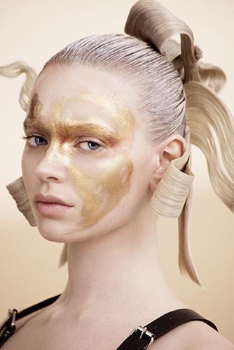 édito beauté maquillage nattes coiffure magazine célia boudjema